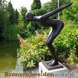 """Tuinbeeld """"De Duiker"""" voor zwembad of vijver"""