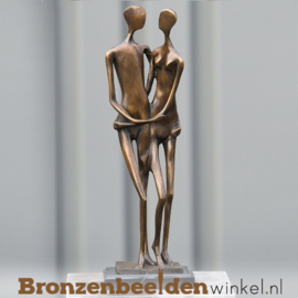 """Bronzen liefdespaar tuinbeeld """"Zorg voor Elkaar"""" BBW52110br"""
