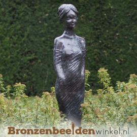 Tuinbeeld klassieke vrouw BBW47302