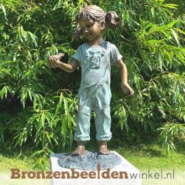 Bronzen meisje met vogel als tuinbeeld BBW0817br
