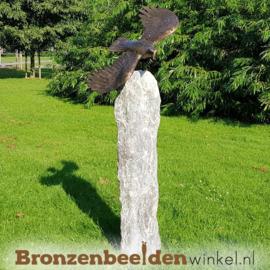 Tuinbeeld vliegende adelaar op sokkel BBW1253br