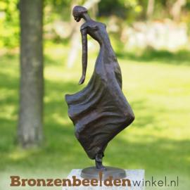 """Bronzen tuinbeeld """"Statige Dame"""" BBW2084br"""