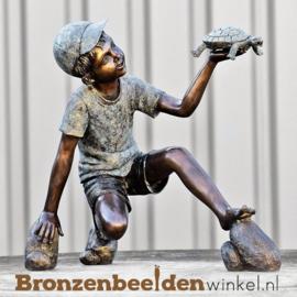 Bronzen jongetje met schildpad als tuinbeeld BBW51330br