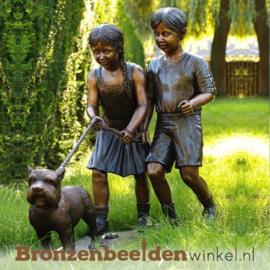 Tuinbeeld kinderen met hond BBW700
