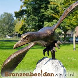 Vliegende adelaar op Kwartsiet sokkel BBW1253br