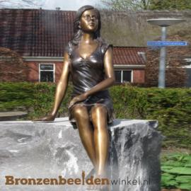 Zittend meisje als tuinbeeld BBW1065br