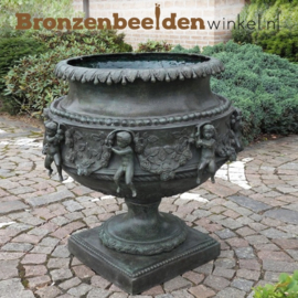 Bronzen tuinvaas met engeltjes BBW438