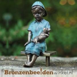 Bronzen jongen met hond als tuinbeeld BBW2126br