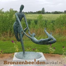 """Bronzen tuinbeeld """"Plezier"""" BBW52837br"""