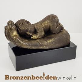 """Geboorte cadeautje """"Baby op hand"""" BBW010br08"""