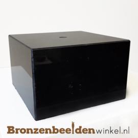 1x Marmeren sokkel 7,5x12x12 cm