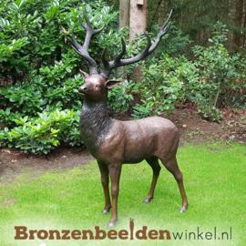 Tuinbeeld hert in brons BBW713