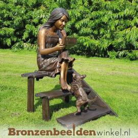 Bronzen tuinbeeld meisje op trap met hondje BBW1122