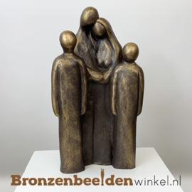 """Beeldje """"Vader en moeder met 2 grote kinderen"""" BBW064br02"""