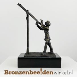 "Beeldje ""De schutterskoningin"" BBW002br04"