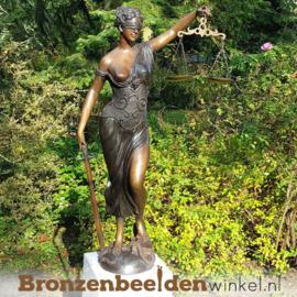 Beeld Vrouwe Justitia als tuinbeeld BBW57886