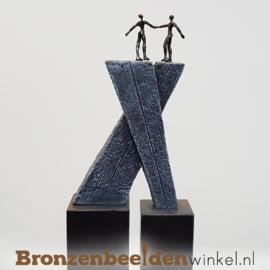 "NR 3 | 12,5 jaar bestaan bedrijf cadeau ""De Goede Deal"" op dubbele sokkel"