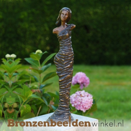 "Tuinbeeld vrouw ""Modern Woman"" brons BBW1815"