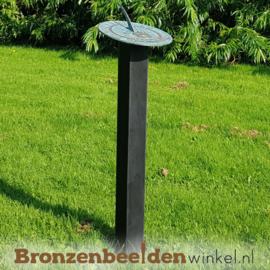 Platte horizontale zonnewijzer op sokkel BBW6302br