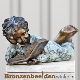 Kinderbeeld studerend jongetje brons BBW51332br