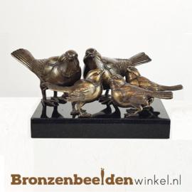 Vogels met drie jongen op sokkel BBW80006