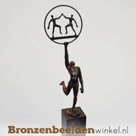 """Groot jubileum geschenk """"Samen Sterk"""" voor mediators, intermediairs"""