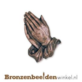 Biddende handen van brons BBW33140