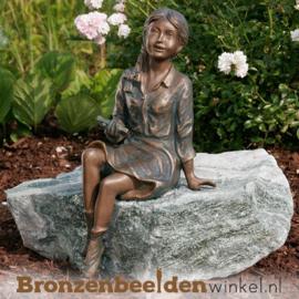 """Tuinbeeld zittend meisje """"Janneke"""" BBWR88016"""