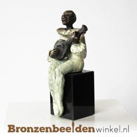 """Muziekbeeldje """"Straatmuzikant"""" BBW004br26"""