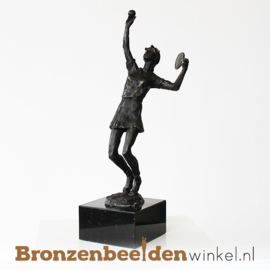 "Sportbeeldje ""De tennister""  BBW002br57"