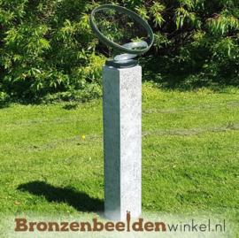 """Tuinbeeld trouwringen """"Gedragen door Liefde"""" BBW2701br"""