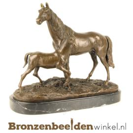 Beeldje paard met veulen BBWKF12