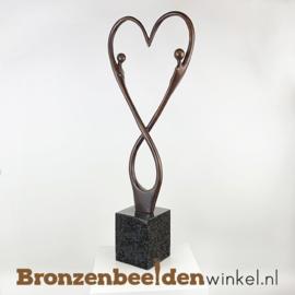 """Sculptuur """"Eeuwige liefde"""" BBW007br24"""