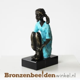 "Vrouwenbeeldje ""In gedachten"" BBW003br56"