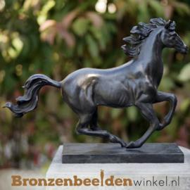 Paarden beeldje brons BBW2564