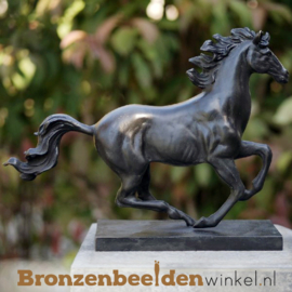 NR 1 | Blijvende herinnering paard beeldje BBW2564