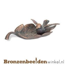 Bronzen vogel met blad als vogeldrinkbakje BBW20546