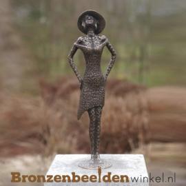 """Bronzen tuinbeeld """"Madamme"""" BBW1974"""