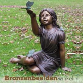 Bronzen tuinbeeld zittend meisje met vlinder BBW902BR