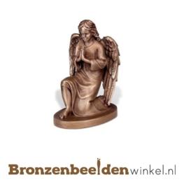 Beeld  biddende engel BBW85424
