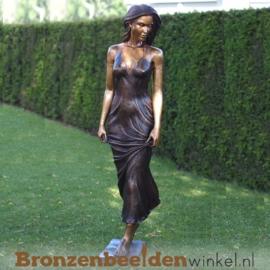 Tuinbeeld vrouw in jurk BBW1311
