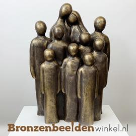 """Beeld """"Vader en moeder met 8 grote kinderen"""" BBW064br08"""