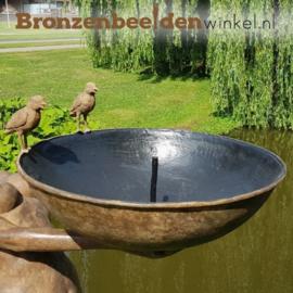 Vijver beeld vrouw met vogeldrinkbak BBW52855br