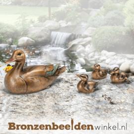 Bronzen eend met kuikens BBW37270