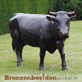 Beeld koe in brons BBW47346