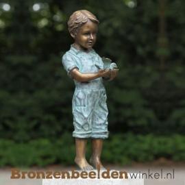 Bronzen jongen met vogel als tuinbeeld BBW1053br