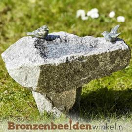 Vogeldrinkbak op voet met 2 vogeltjes BBWR42046