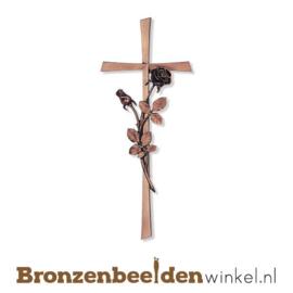 Bronzen kruis met roos BBW20064-040