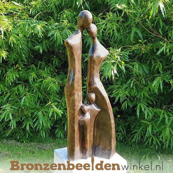 """Bronzen tuinbeeld """"Gezin met 2 kinderen"""" BBW2387br"""