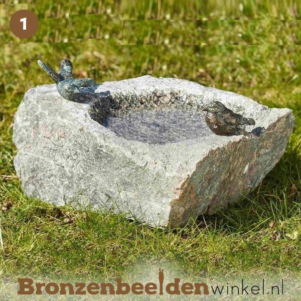 NR  1   Cadeau man 85 jaar ''Vogeldrinkbak natuursteen met 2 vogeltjes'' BBWR42047